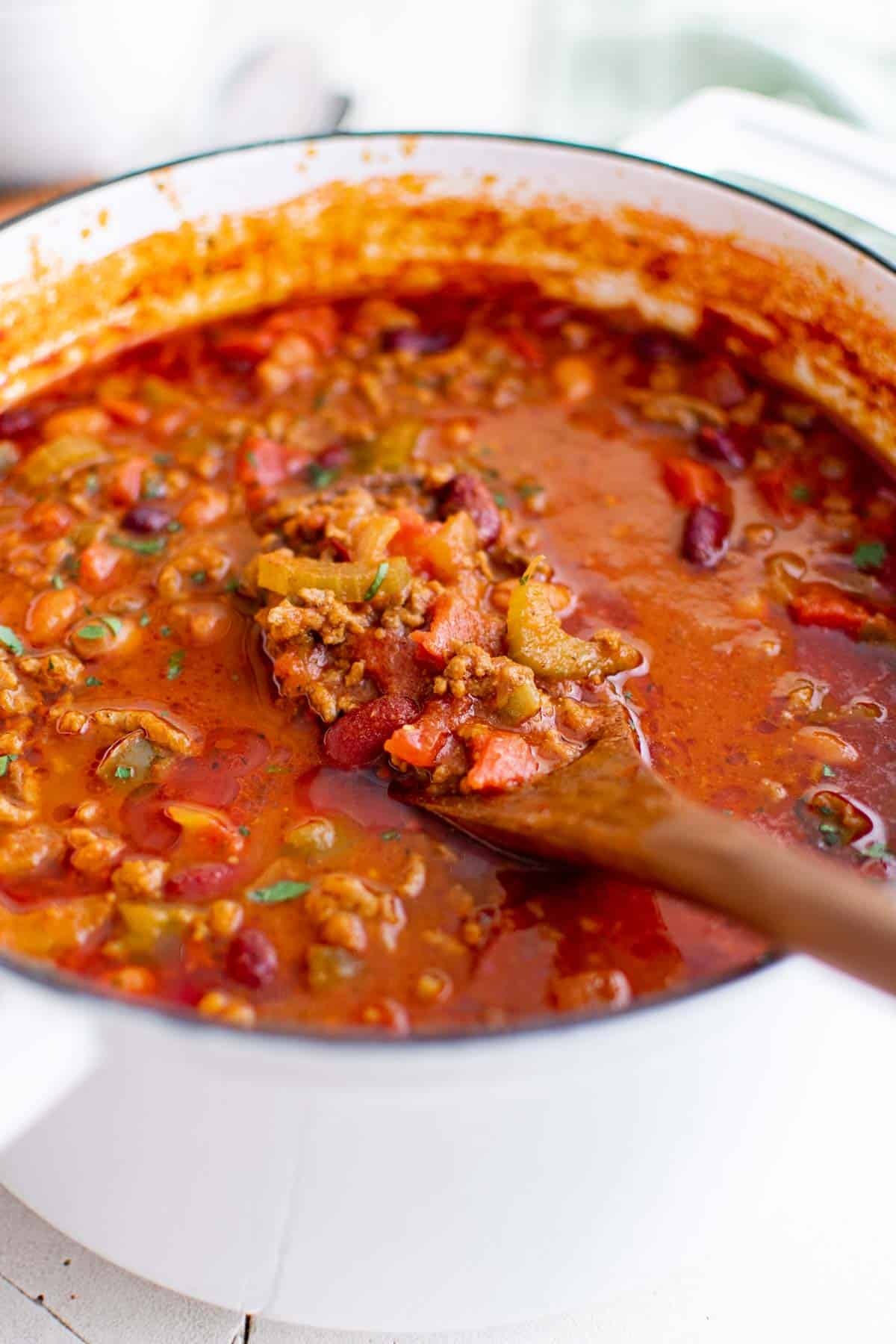 close up view of the completed wendys chili recipe